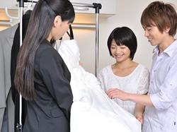取り組み3『ドレス選びの秘訣をお教えします』