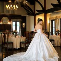 エレガントウエディングドレスのサムネイル