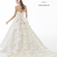 【HARDY AMIES】ウエディングドレスのサムネイル