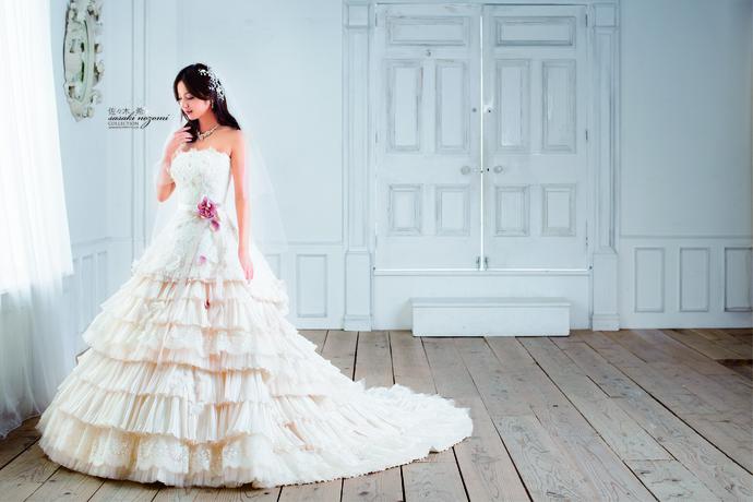 【佐々木 希】ウェディングドレスのサムネイル
